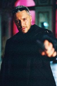 Max Ryan as Lt. Chuck Gwinn