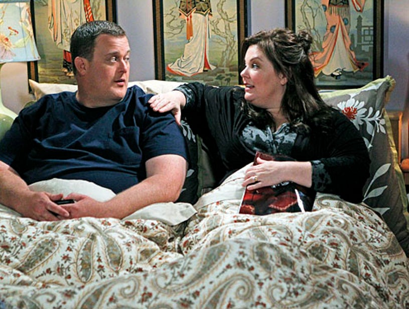 """Mike & Molly - Season 3 - """"Mike Likes Cake"""" - Billy Gardell and Melissa McCarthy"""