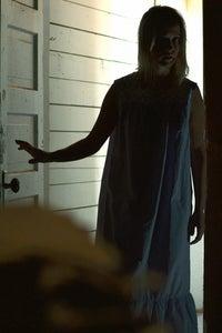 Siobhan Williams as Lizzie