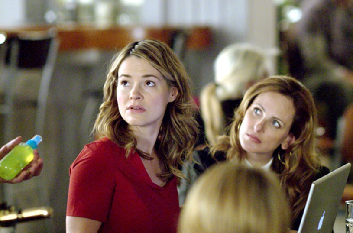 "The L Word - Season 5, ""Lady of the Lake"" - Leisha Hailey as Alice, Marlee Matlin as Jodi"