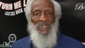 Dick Gregory, Groundbreaking Comedian and Activist, Dies at 84