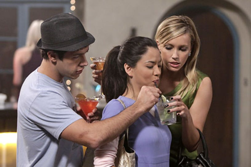 "Melrose Place - Season 1 - ""Santa Fe"" - Michael Rady as Jonah Miller, Stephanie Jacobsen as Lauren Young and Katie Cassidy as Ella Simms"