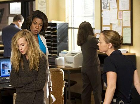 "Saving Grace - Season 2, ""Do You Believe in Second Chances?"" -  Holly Hunter as Grace, Lorraine Toussaint as Kate, Christina Ricci as Abby"