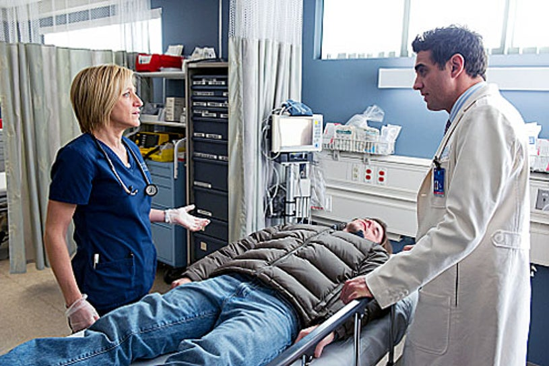 "Nurse Jackie - Season 4 - ""Are Those Feathers?"" - Edie Falco and Bobby Cannavale"