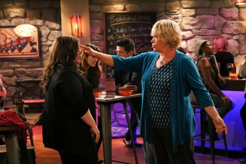"Mike & Molly - Season 4 -  ""Molly Unleashed"" - Melissa McCarthy, Diane Delano"