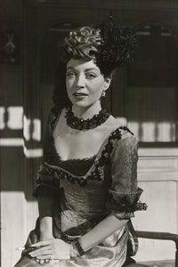 Marie Windsor as Ma Lassiter