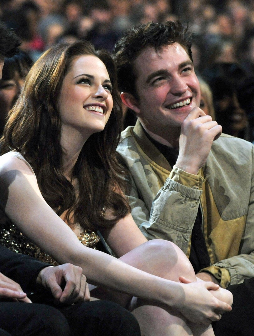 Kristen Stewart and Robert Pattinson attend the 2011 People's Choice Awards at Nokia Theatre L.A. Live on January 5, 2011