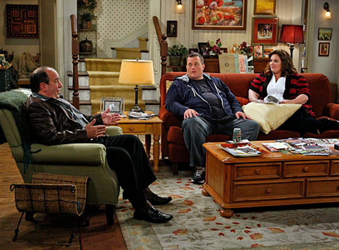"Mike & Molly - Season 2 - ""Goin' Fishin"" - Louis Mustillo as Vince, Billy Gardell as Mike, Melissa McCarthy as Molly"