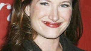 NBC Signs Kathryn Hahn for Free Agents