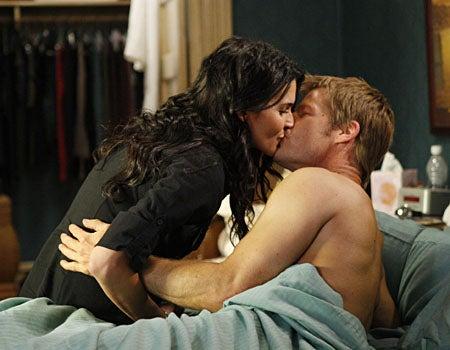 "Women's Murder Club - Season 1 Finale, ""Never Tell"" - Angie Harmon as Lindsay, Joel Gretsch as Pete"