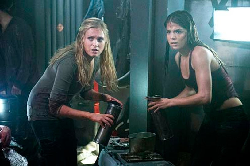 """The 100 - Season 1 - """"Contents Under Pressure"""" - Eliza Taylor and Marie Avgeropoulos"""