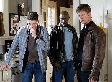 """V - Season 1 - """"John May"""" - Brett Dier, Morris Chestnut, Joel Gretsch"""