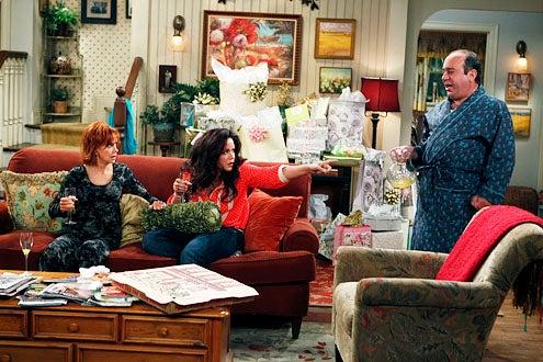 "Mike & Molly - Season 3 - The Honeymoon is Over"" - Swoosie Kurtz, Katy Mixon and Louis Mustillo"