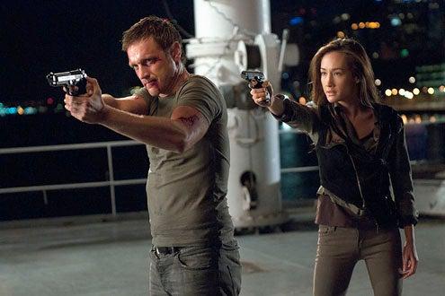 """Nikita - Season 1 - """"The Guardian"""" - Devon Sawa as Owen and Maggie Q as Nikita"""