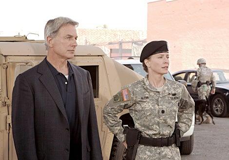 """NCIS - Season 4, """"Sandblast"""" - Mark Harmon with guest star Susanna Thompson"""