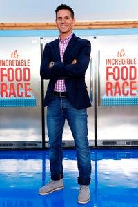 Rick Campanelli as Reporter