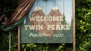 Twin Peaks: David Lynch Has His Freaky Paws All Over the New Trailer