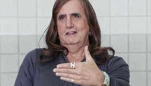 Weekend TV: Amazon's Brilliant Transparent, Simpsons Death and Family Guy Crossover