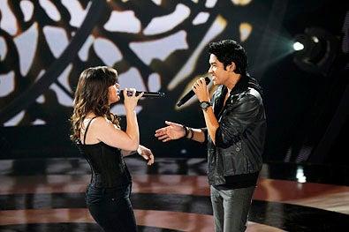 "Duets - Season 1 - ""The Superstar's Greatest Hits"" - Kelly Clarkson and Jason Farol"