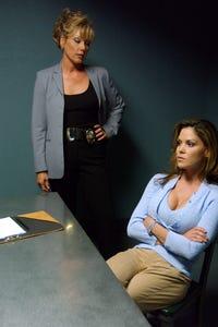 Paula Trickey as Leslie Clarkson