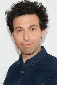 Alex Karpovsky as Dr. Seiderman