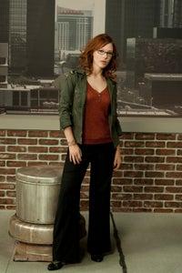 Erin Cummings as Jen