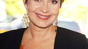 Annie Potts Tapped as Justin Kirk's Mom on Animal Practice