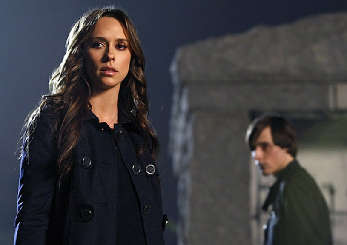 "Ghost Whisperer - Season 4 - ""Endless Love"" - Jennifer Love Hewitt and Jake Thomas"