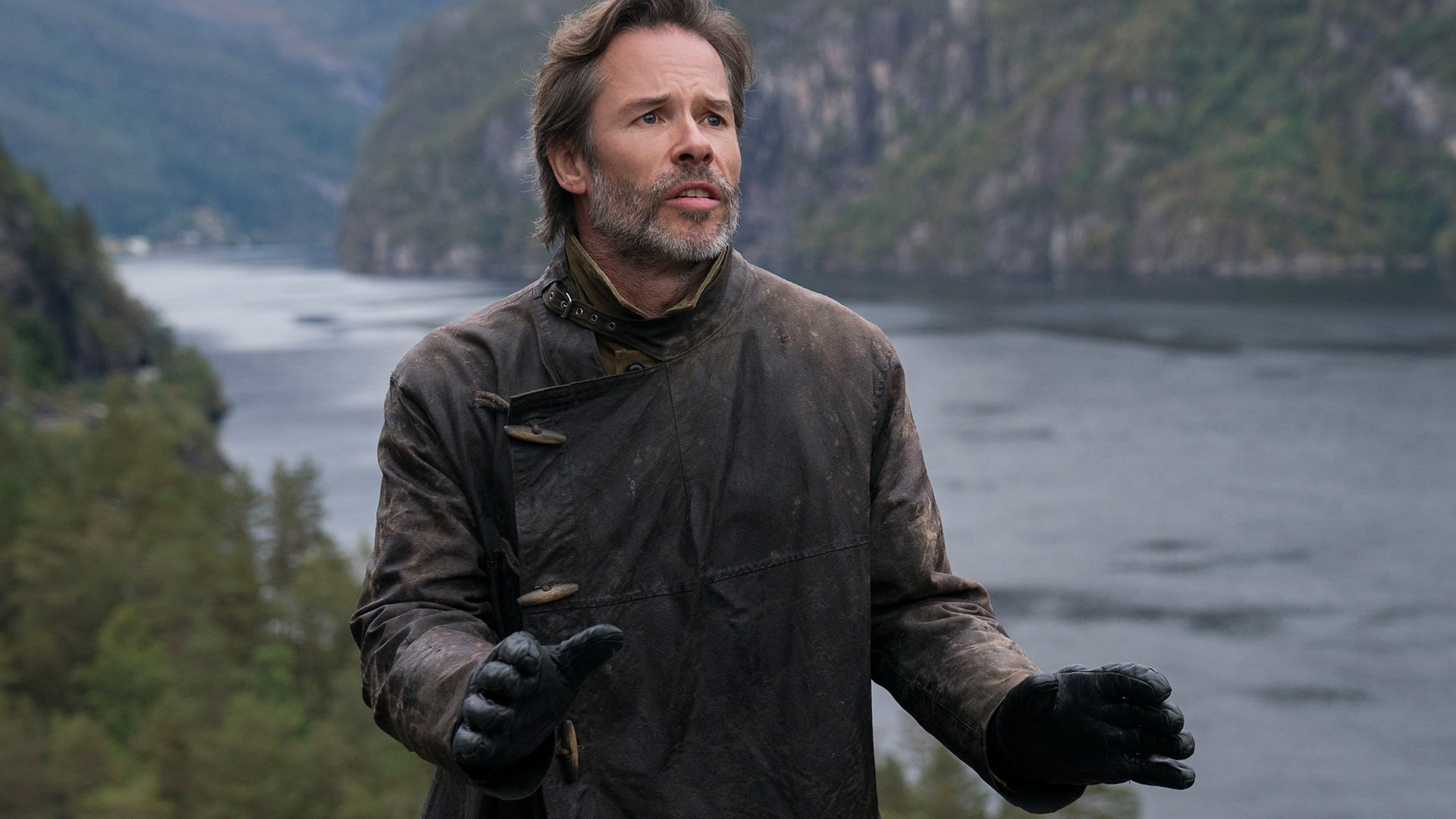 Guy Pearce; The Innocents