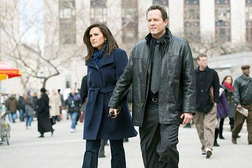 "Law & Order: Special Victims Unit - Season 14 - ""Undercover Blue"" - Mariska Hargitay and Dean Winters"
