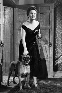 Margaretta Scott as Mabel