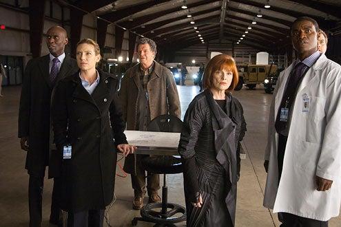 "Season 3 - "" Reciprocity"" - Lance Reddick, Anna Torv, John Noble and Blair Brown"