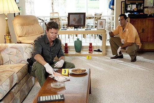 "The Glades - Season 2 - ""Old Ghosts"" - Matt Passmore and Carlos Gomez"