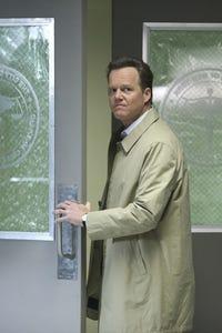 Scott William Winters as Det. Stan Hatcher