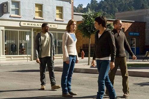 "Persons Unknown - Season 1 - ""Incoming"" - Chadwick Boseman as Sergeant McNair, Daisy Betts as Janet, Tina Holmes as Moira and Jason Wiles as Joe"