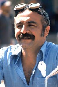 Yılmaz Erdoğan as Le commandant Hasan