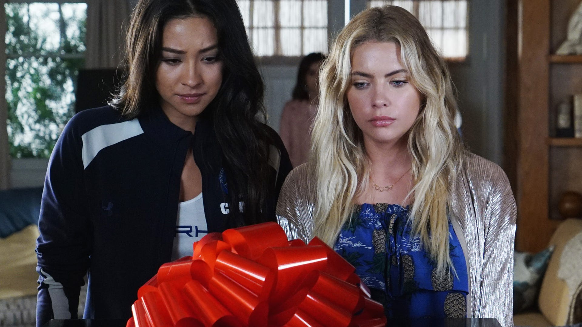 Shay Mitchell and Ashley Benson, Pretty Little Liars