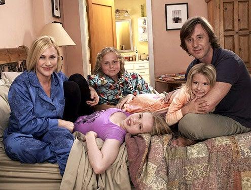 Medium - Season 6 - Patricia Arquette, Maria Lark, Sofia Vassilieva, Miranda Carabello and Jake Weber
