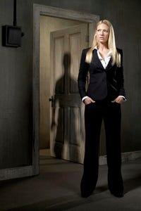 Anna Torv as Harriet Dunkley