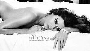 Debra Messing, Leslie Bibb and Other TV Hotties Go Nude for Allure