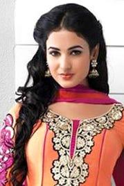 Sonal Chauhan as Nandini