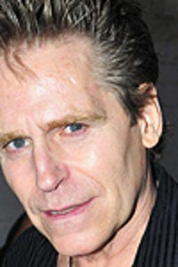 Jeff Conaway as Taxi driver