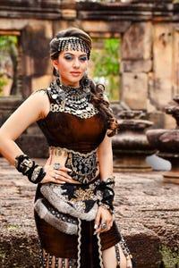 Hansika Motwani as Vaishali