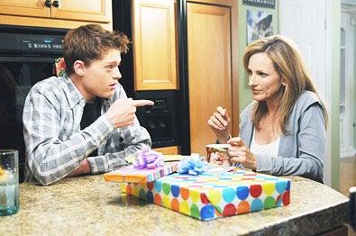 "Switched at Birth - Season 1 - ""Paradise Lost"" - Sean Berdy and Marlee Matlin"