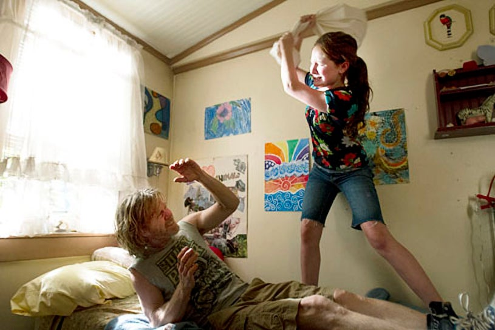 "Shameless - Season 3 - ""The American Dream"" - William H. Macy and Emma Kenney"