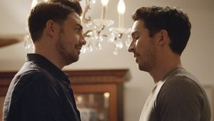 Station 19's Jay Hayden Reveals Why Travis' Latest Breakthrough Doesn't Mean He Forgives Theo