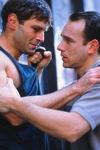 Nick Chinlund as Det. Bruce Steadman