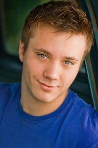 Aaron Fors as Gary