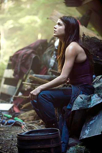 "The 100 - Season 1 -""Earth Kills"" - Marie Avgeropoulos"