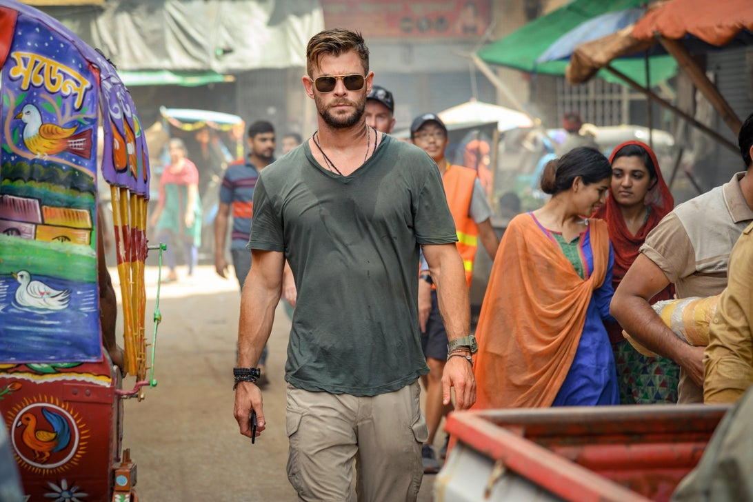 Chris Hemsworth, Extraction